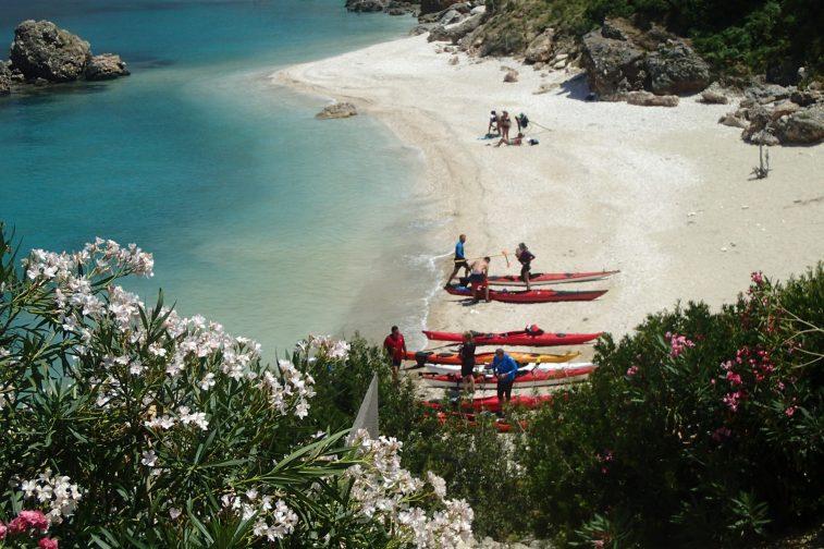Sea-kayak in Kefalonia cu Hibiscus Sport & Friends