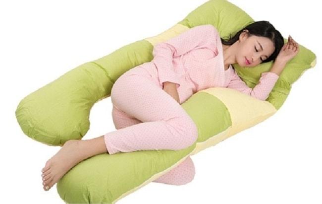 tư thế ngủ phù hợp giảm tê tay ở bà bầu