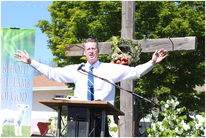 2016 Easter Service (1)