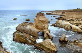 Montaña de Oro State Park is a beautiful, coastal park with a stunning shoreline. With over 8,000 acres to explore, this is great for beach-goers, hikers, mountain bikers, and horseback riders.