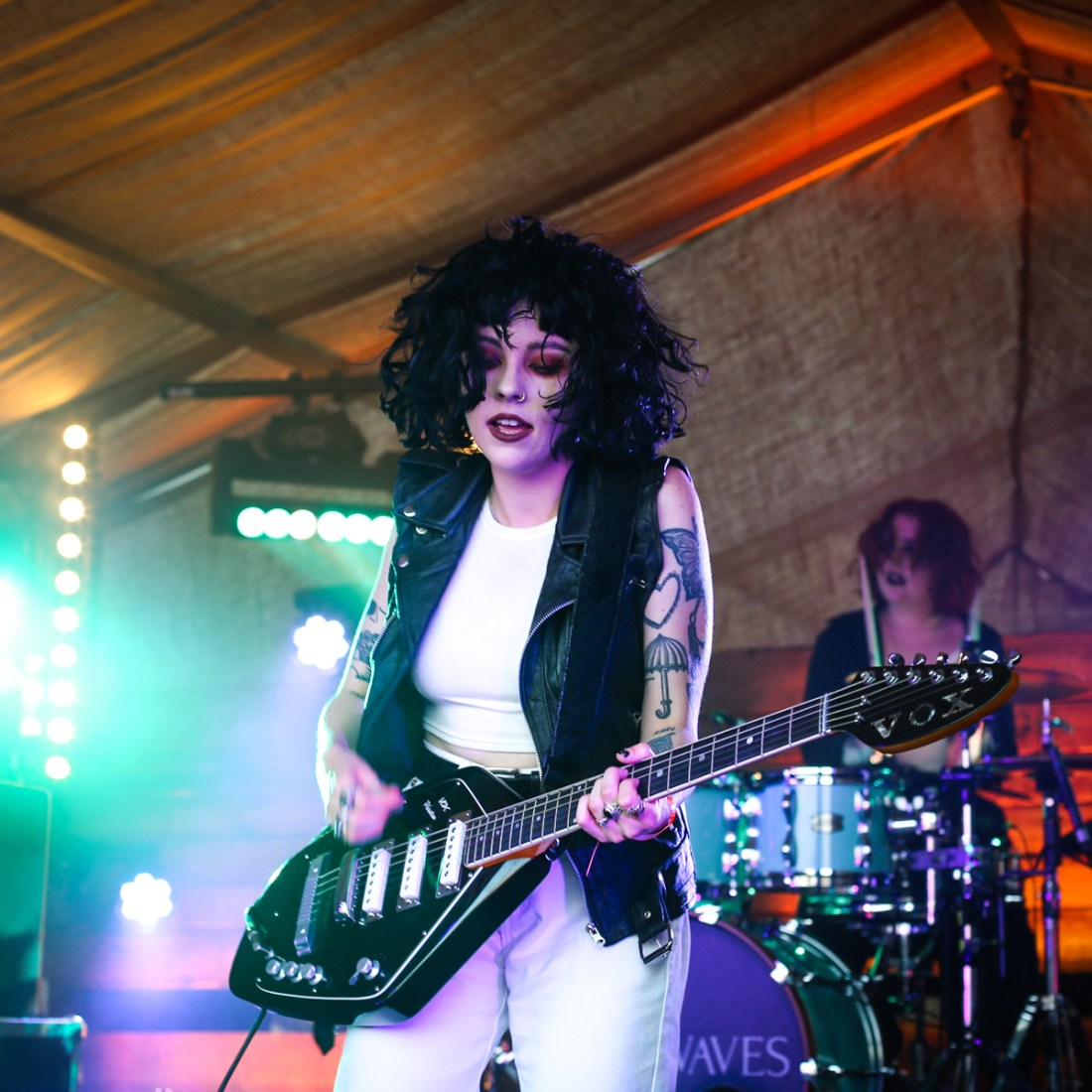 Photo of Pale Waves featured on Hidden Herd new music blog