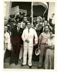 Vito Marcantonio arrives in Puerto Rico