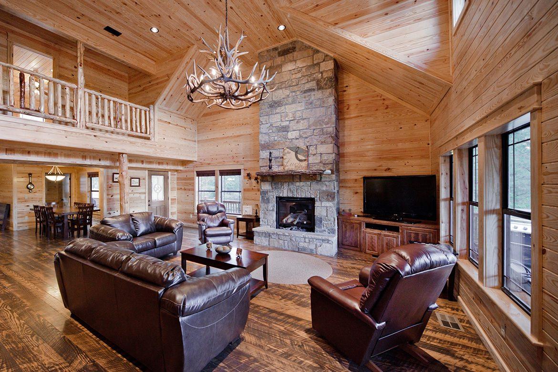 Tumbledown Lodge Cabin In Broken Bow OK Sleeps 10