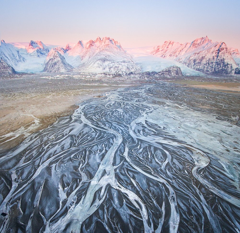 Glacier Rivers   Winter Lights photo tour with Tom Archer & Wahyu Mahendra   Hidden Iceland   Photo by Tom Archer