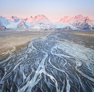 Glacier Rivers | Winter Lights photo tour with Tom Archer & Wahyu Mahendra | Hidden Iceland | Photo by Tom Archer