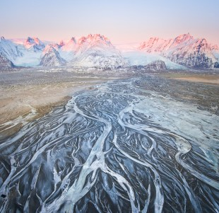 Glacier Rivers | Winter Lights photo tour with Tom Archer & Wahyu Mahendra | Hidden Iceland | Photo by Tom Archer