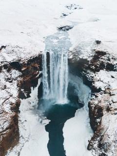 Skógafoss waterfall   Jökulsárlón Glacier Lagoon 2 day tour   Hidden Iceland   Photo by Brendan Bannister