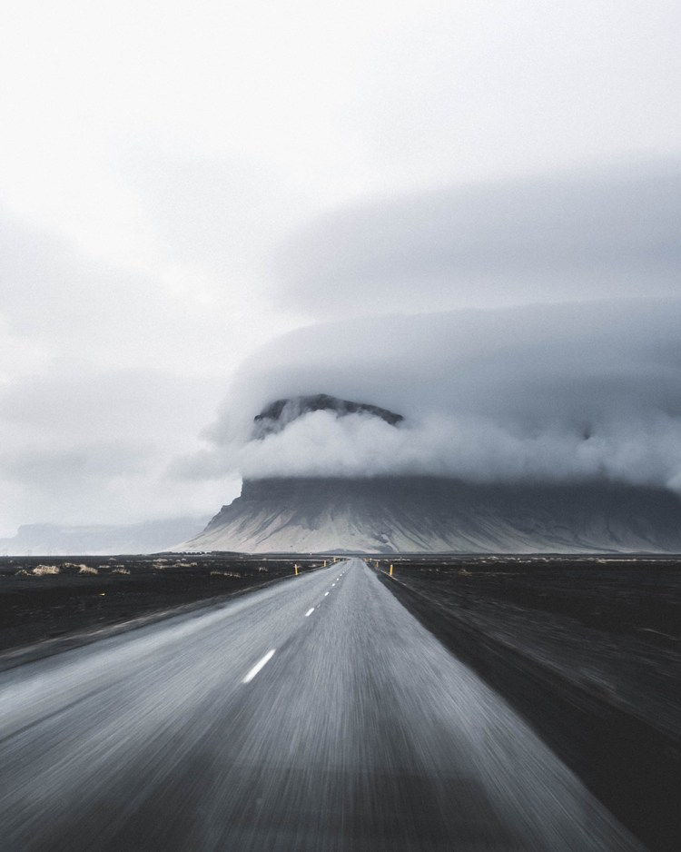 Lómagnúpur Mountain Drive | Hidden Iceland | Photo by Norris Niman