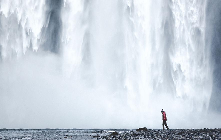 Skógafoss Waterfall | Jökulsárlón Glacier Lagoon 2 Day Tour | Hidden Iceland | Photo by Norris Niman. Skogafoss.