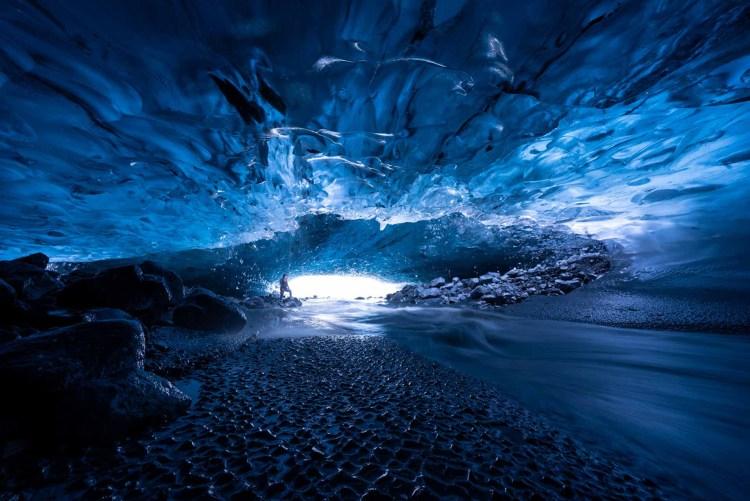 Sapphire Ice Cave Tour. Hidden Iceland. Photo by Helen Maria Björnsdóttir. Featured.