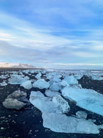 Diamond Beach (west) near to Jökulsárlón glacier lagoon by Scott Drummond, Hidden Iceland.
