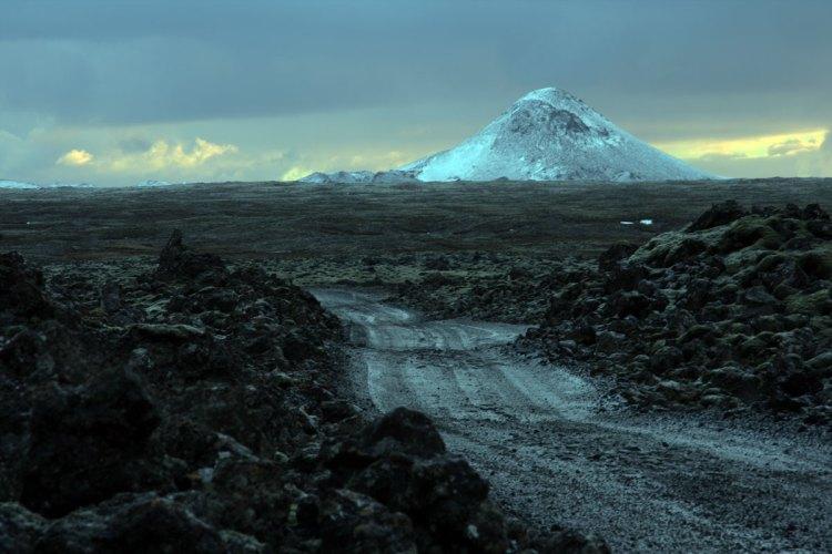 Keilir Mountain. Reykjanes Peninsula. Wikimedia Commons.