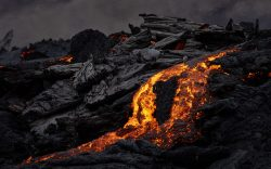 Volcanic eruption lava flow. By Simon Svensson.