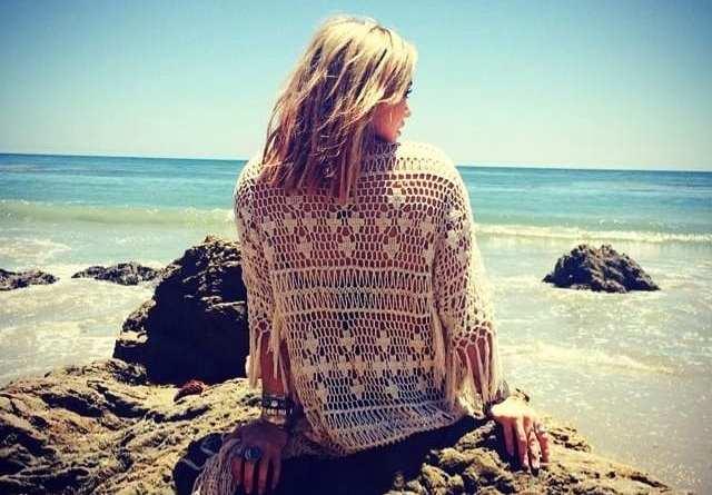 Hilary Duff beach video