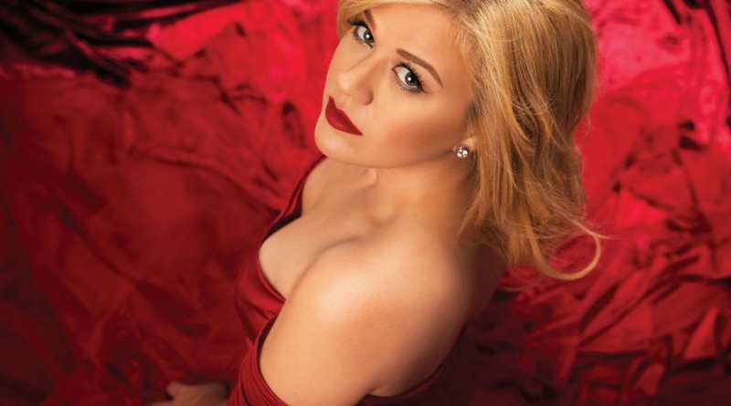 Kelly Clarkson Red
