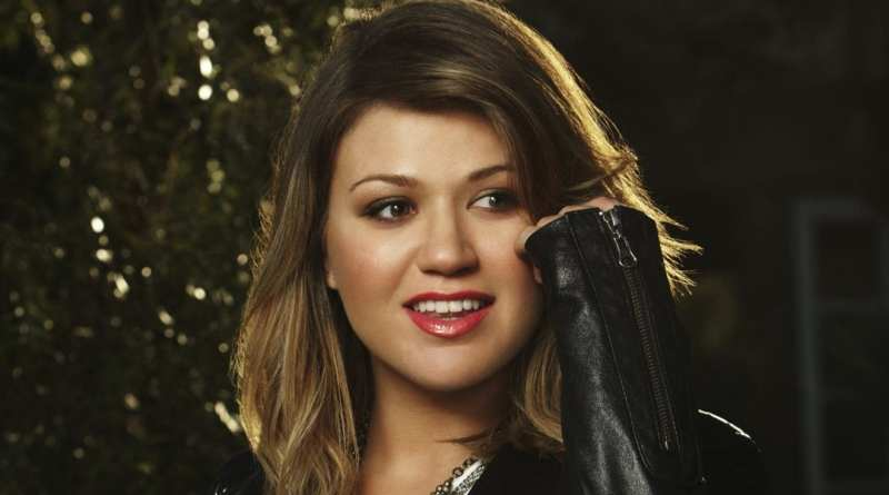 Kelly Clarkson New Album