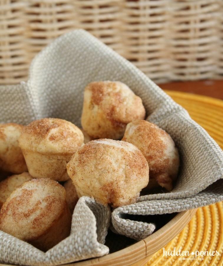 Mini Pumpkin Cinnamon Muffins | hiddenponies.com