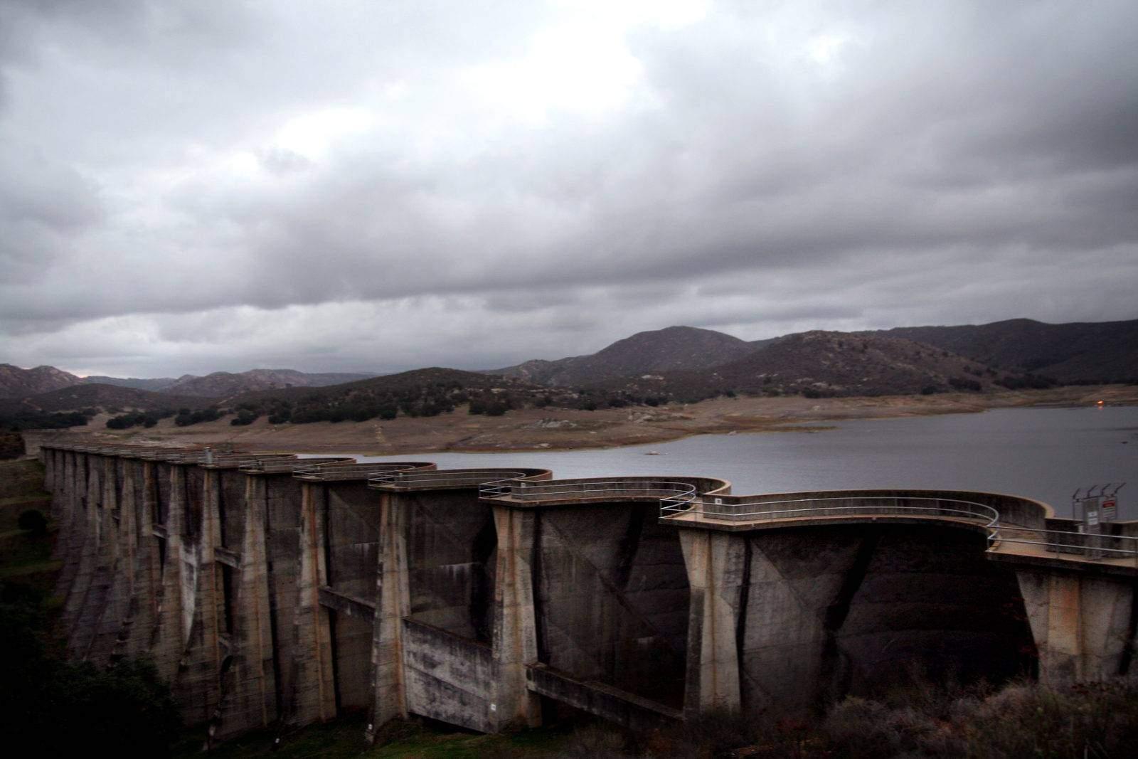 Explore the historic Sutherland dam in Ramona. Beautiful views of Sutherland Lake and fun adventures await!