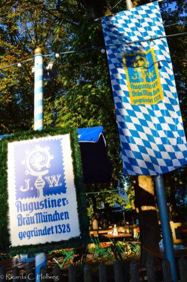 Weiß-blaue Flagge