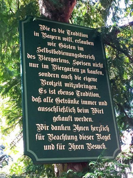 Schild Bayerische Biergartentradition