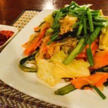 Laotische Riesnudeln mit Gemüse
