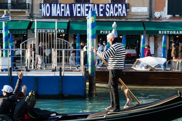 No Mafia L'Italia è sacra.
