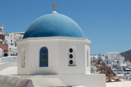 Blaue Kuppel in Oia Santorin