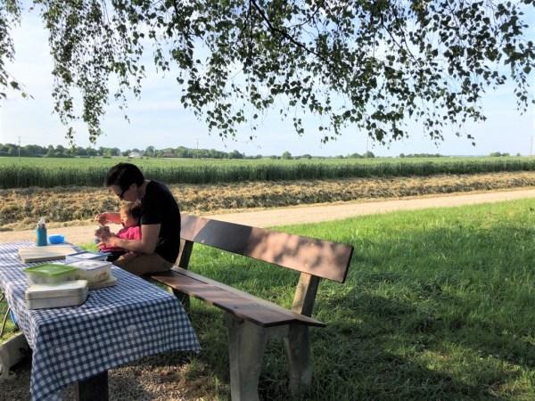 Picknicken mit Kind in der Nähe von Itzling