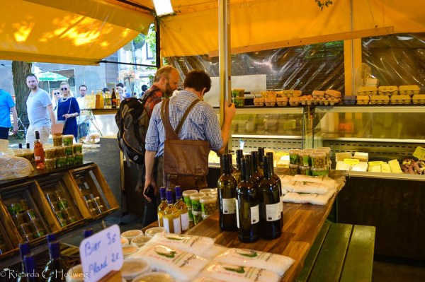 Shopping at the Viktualienmarkt