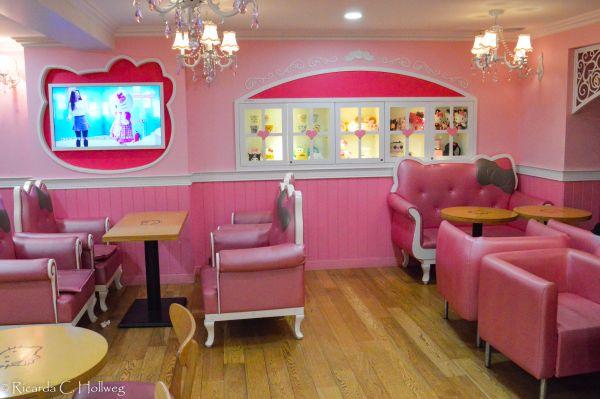 Hello Kitty's Dollhouse Seoul