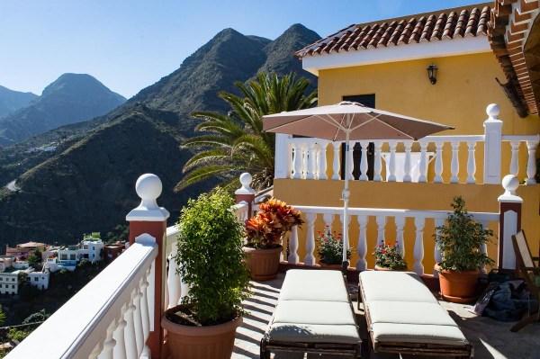 Terrace with sunbeds Hermigua