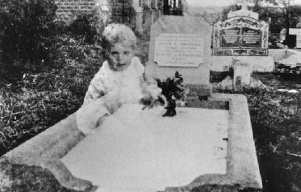 Най-известните призрачни снимки в историята, които не са доказани фалшификати