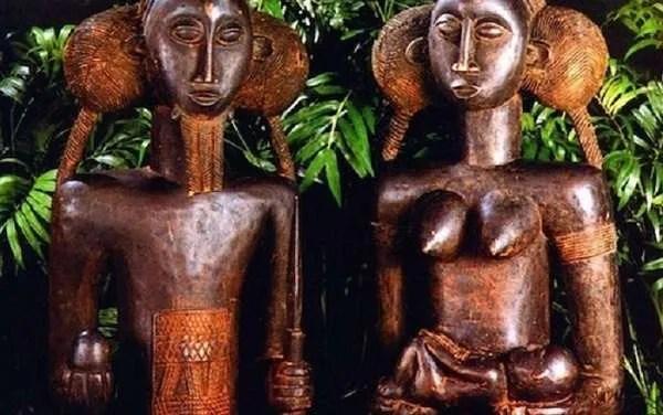 Жени забременяват от докосване на африканска статуя