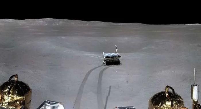 Роувърът Yutu-2 снима на Луната неизвестно гелообразно вещество
