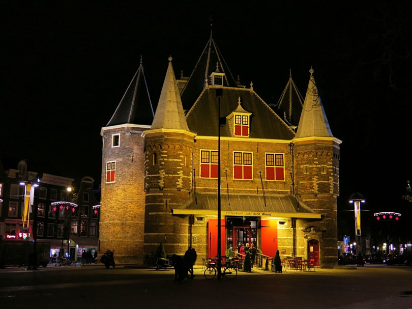 This is the Nieuwmarkt building lit up at night. It's not part of the Amsterdam Light Festival, but I thought it looked really pretty at night and wanted to share! :-)