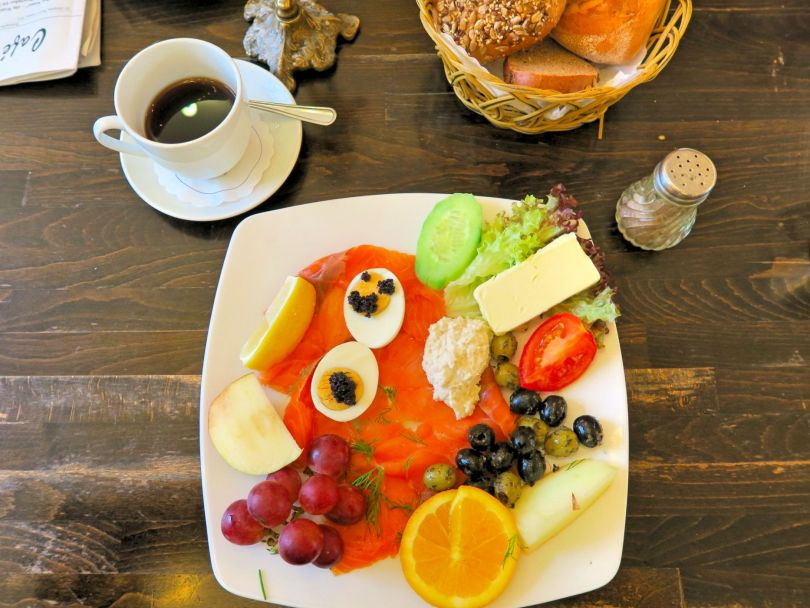 Berlin Bilden Buch breakfast