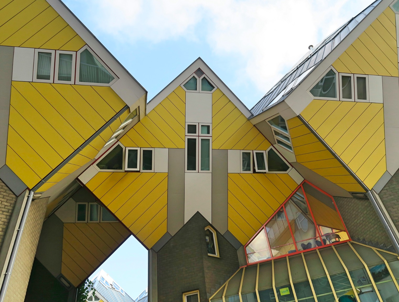 What do the Cube Houses of Rotterdam look like from the inside?