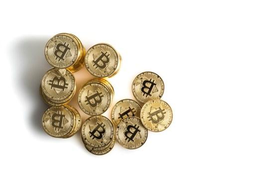 仮想通貨群