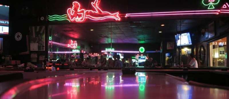 Illuminierte Bar
