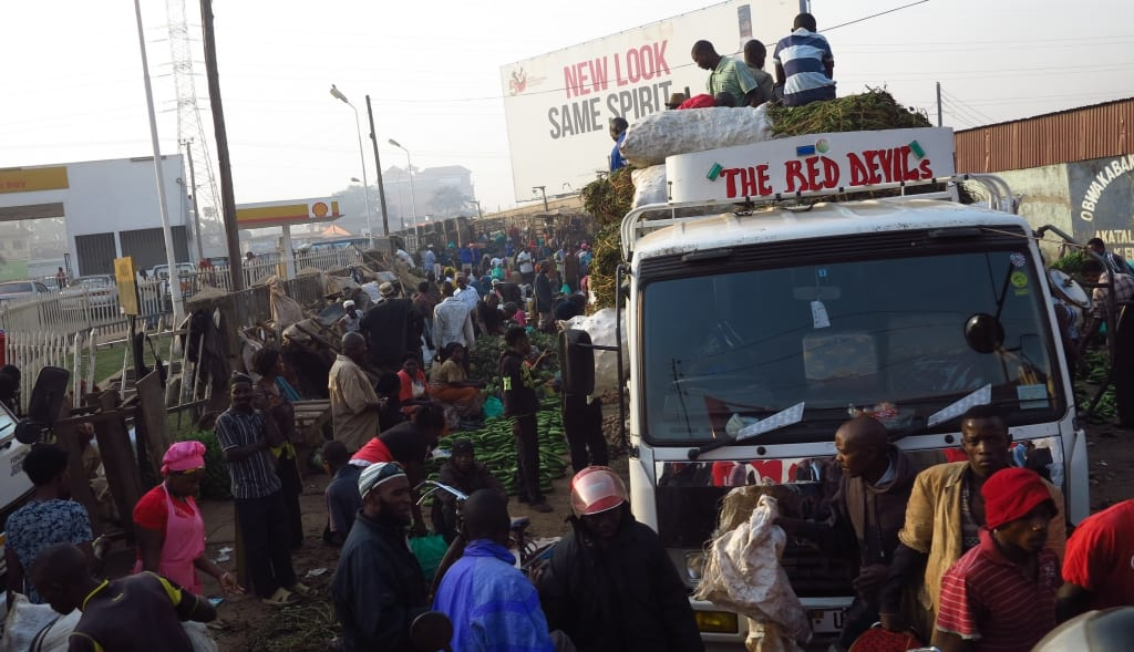 Minibusbahnhof in Kampala in Uganda