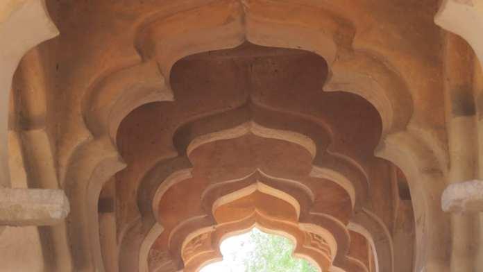 Lotus Mahal in Hampi in Indien
