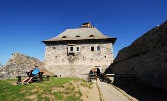 Im Innenhof der Burg Kasperk in Südböhmen