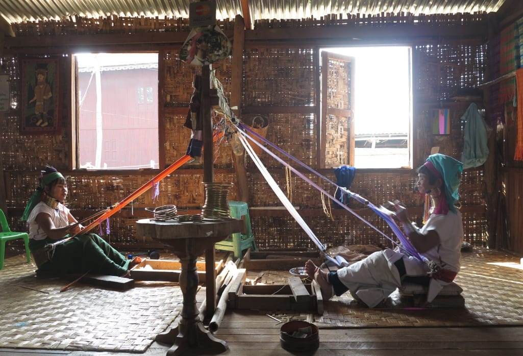 Giraffenhalsfrauen in Myanmar