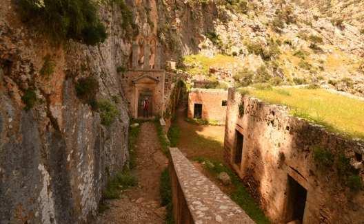 Ruinen eines historischen Gebäudes auf Kreta