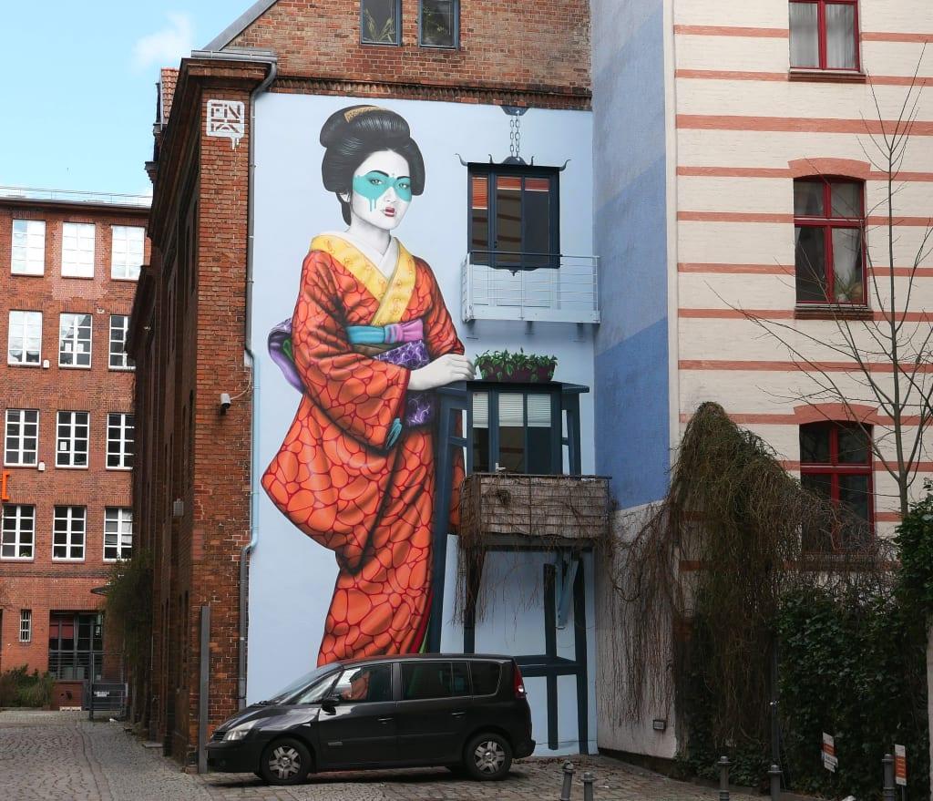 Mural einer Geisha an einer Häuserwand