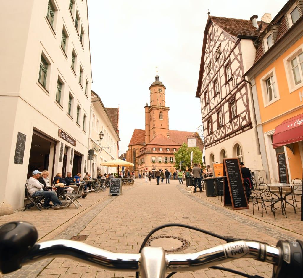 Fahrradlenker und schöne Altstadt