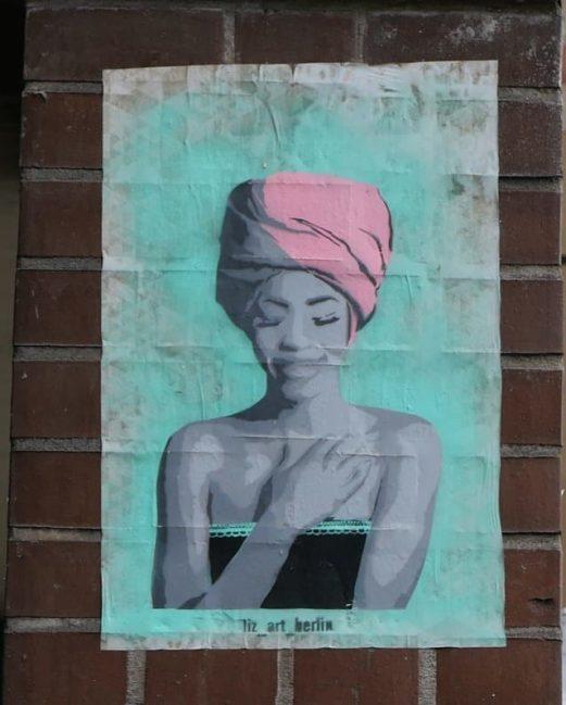 Streetart Frau mit rosa Turban