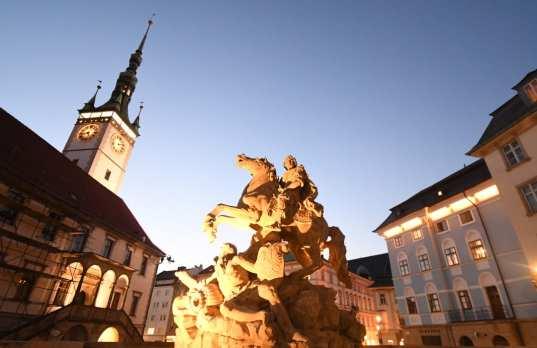 Barocker Marktplatz im Abendlicht