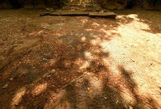 Mosaikpflaster einer Ruinenstadt