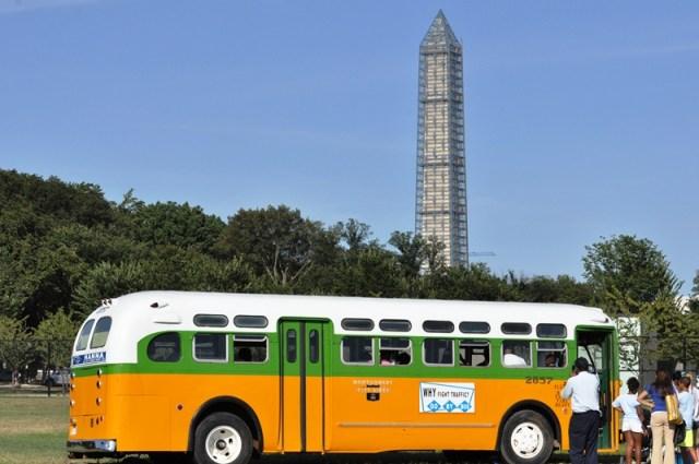 Chiếc xe bus nổi tiếng Rosa Parks từng đi. Ảnh: HM